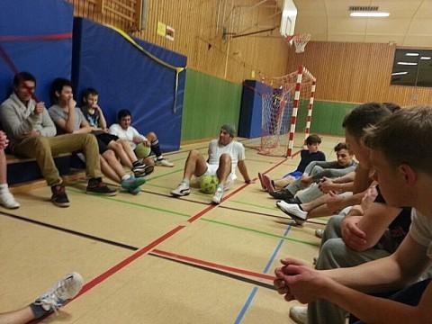 http://www.lzplay.de/videos/fussball-verbindet-der-verein-jugend-tugend